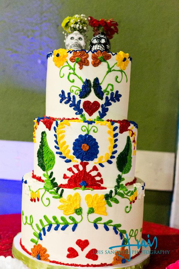El D 237 A De Los Muertos Wedding Ideas Latino Bride And