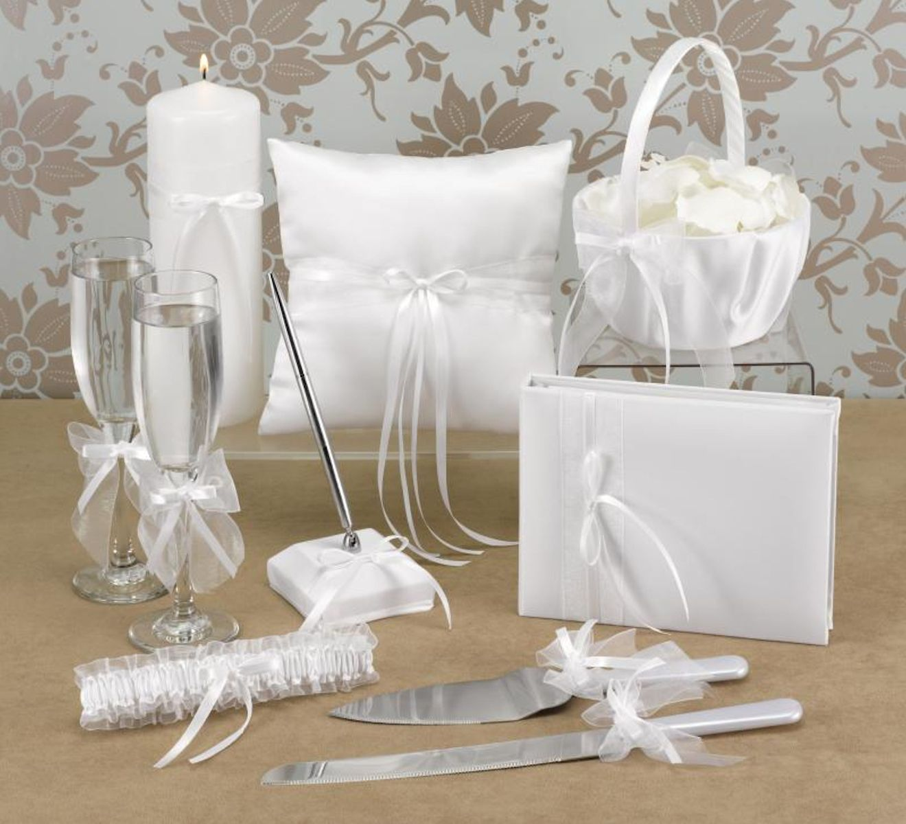 PARTY SUPPLIES - Latino Bride And Groom