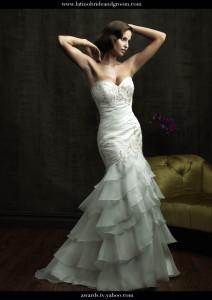 Latino-Bride-and-Groom-leonsbridal.com copy