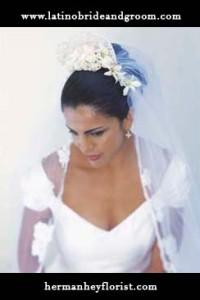 latino-bride-and-groom_hermanheyflorist