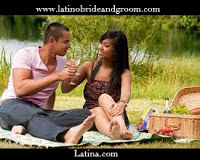 latino-bride-and-groom_latina.com-Couple-in-a-picnic-date