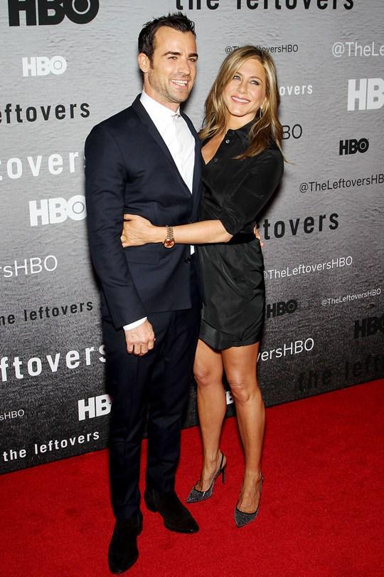 Jennifer-Aniston-Justin-Theroux_HBO-red-carpet-pic