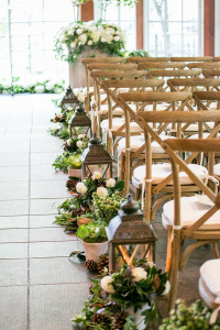 PHOTO-CREDIT-Sara-Wight-Photography_Andrea-Freeman-wedding-ceremony-aisle-with-romantic-flowers-