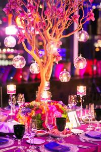 Wedding-planner-Andrea-Freeman_recepction-decor-with-hanging-lights_varindaeric-350