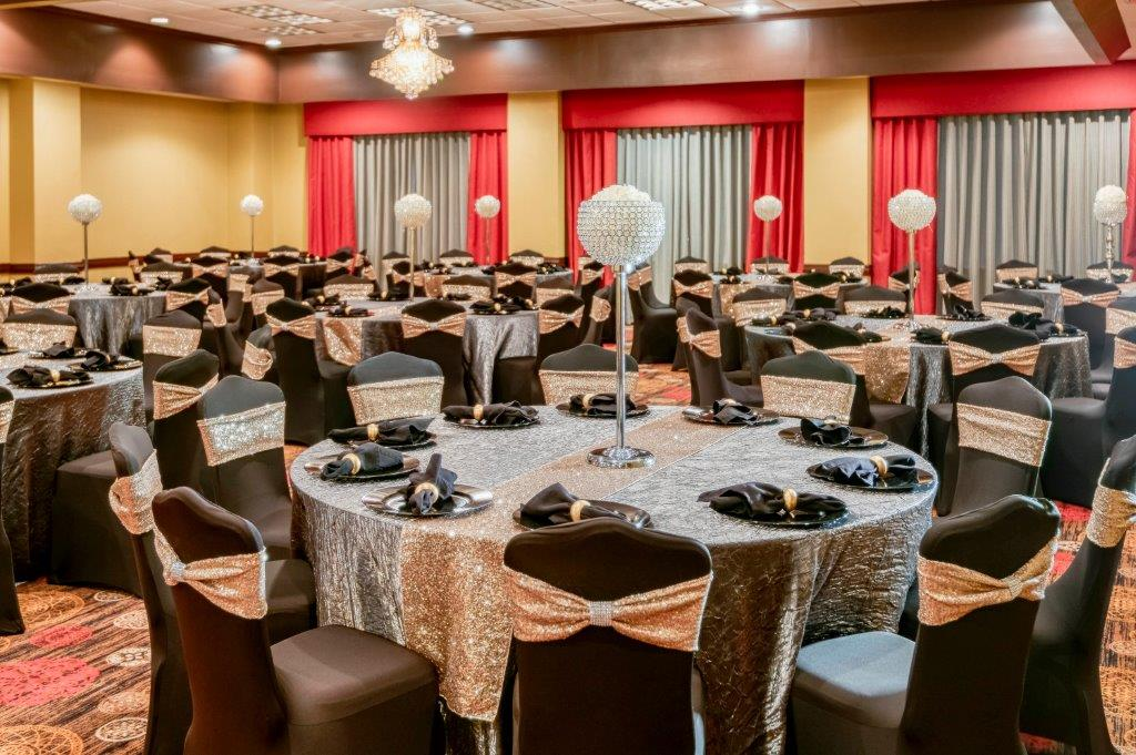 MCM-Elegante-Hotel-and-Suites-Dallas-Ballroom wedding-picture